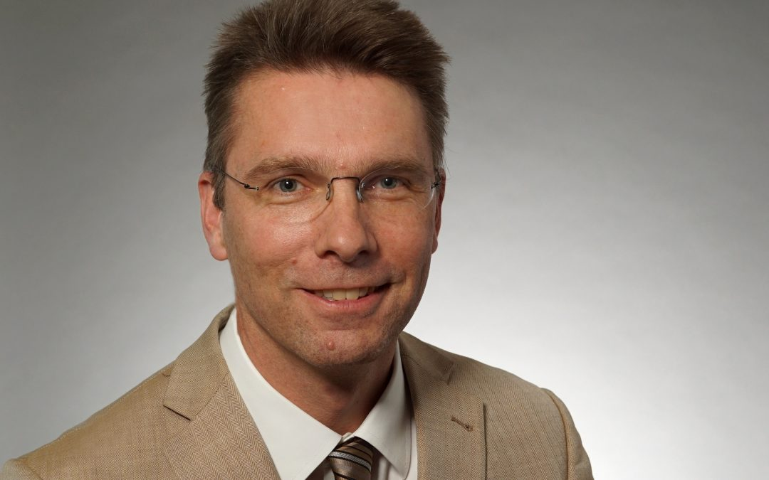 Welcome to Prof. Dr. Michael Zemlin as new COMM member
