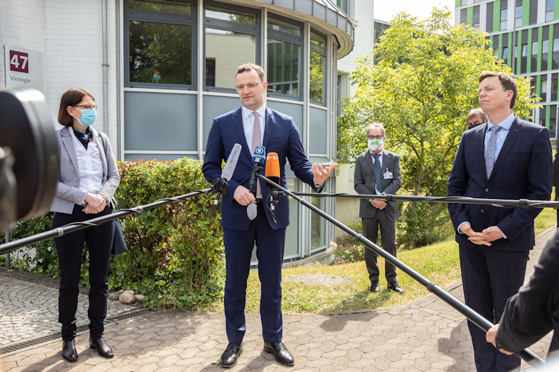 Federal Minister of Health Jens Spahn visited the UKS in Homburg